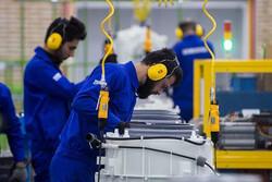 حداقل مزد ۳۳ درصد از هزینه ها را پوشش می دهد/ امنیت شغلی، خواسته اصلی کارگران