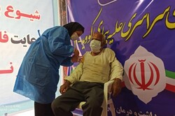 استقبال چشمگیر مردم از واکسن برکت در شهرستان دیر