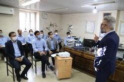 آشنایی اپراتورهای ۱۲۲ آبفای شیراز با نحوه ارتباط تلفنی موثر با شهروندان