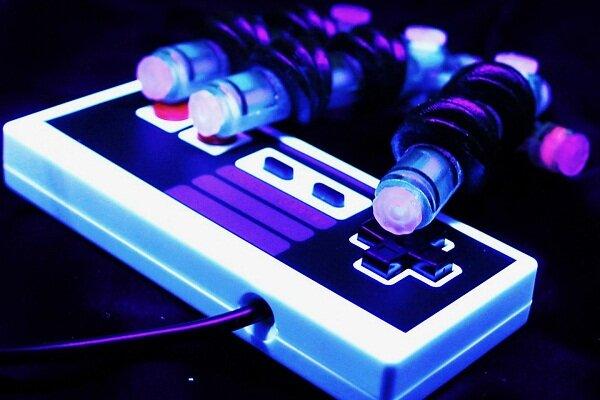 تولید دست رباتیکی که بازی ویدئویی انجام میدهد