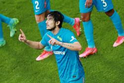 French Lyon submit €11m bid for Iranian striker Azmoun