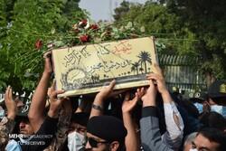 پیکر شهید گمنام پس از ۳۳ سال در خاک آرام گرفت