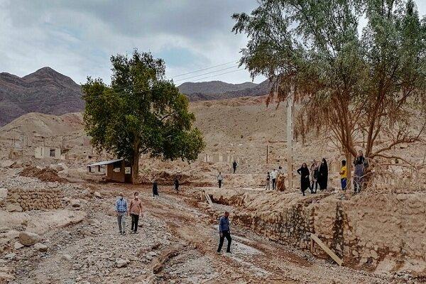 حضور نیروهای جهادی برای کمک به مردم سیل زده داهوئیه