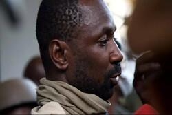 Mali's interim president survives stabbing attempt