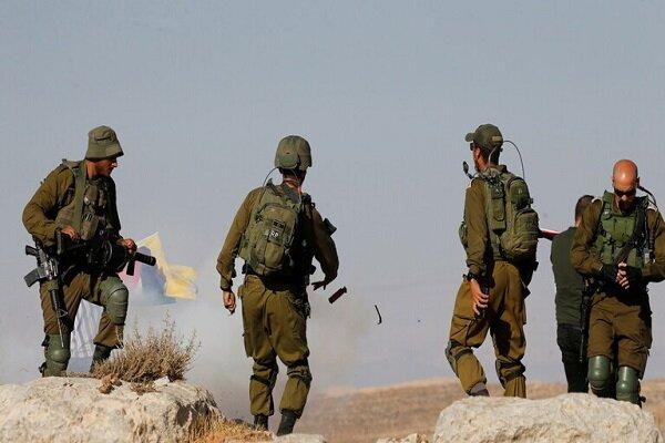 قوات الاحتلال تقيم حواجز في الضفة وتمنع حركة المواطنين