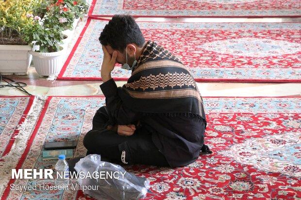 دعای عرفه در حرم مطهر رضوی
