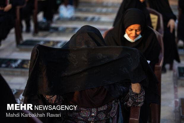 مراسم دعای عرفه در جوار مزار حاج قاسم