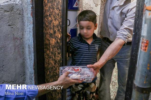تهیه و توزیع گوشت نذری بین نیازمندان در عید قربان - تبریز