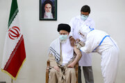 Leader receives 2nd dose of Iranian-made COVID-19 vaccine