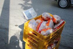 بنیاد احسان ۲۰ تن مرغ بین گروههای جهادی خراسان شمالی توزیع کرد
