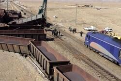بازسازی بخشی از خط آهن بیشه - قارون/ مسافران با اتوبوس راهی مقصد شدند