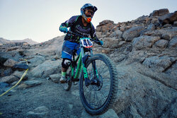 Downhill mountain bike racing in Hamedan