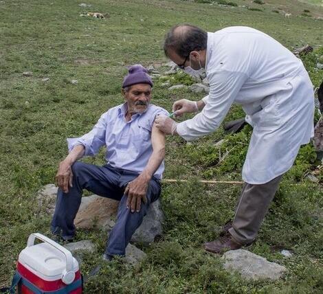 عشایر در انتظار حل مشکلات آبی/واکسن کرونا به عشایر کرمانشاه رسید