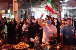 İranlı milli sporcunun Tokyo'daki şampiyonluğu memleketinde kutlandı