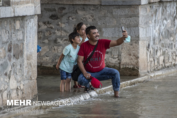 Taking Selfie with Zayandeh Rud River in Isfahan