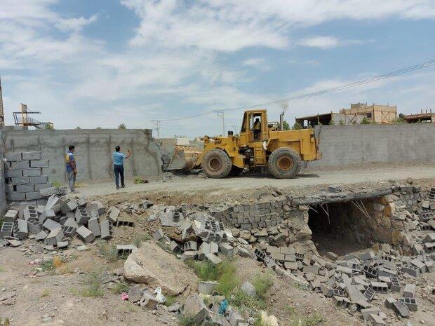 رفع تصرف بیش از ۲ هزار مترمربع از مسیل «ویرانی» در مشهد