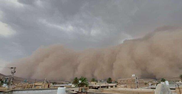 خسارت گسترده طوفان «هبوبی» به زرین دشت/ تلفات جانی گزارش نشده است