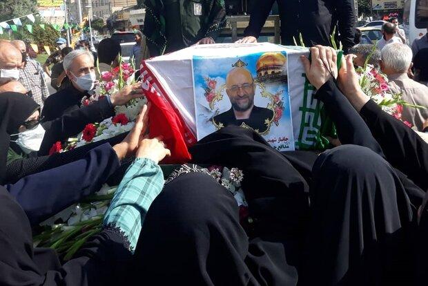 پیکر شهید مدافع حرم سید احمد قریشی تشییع شد