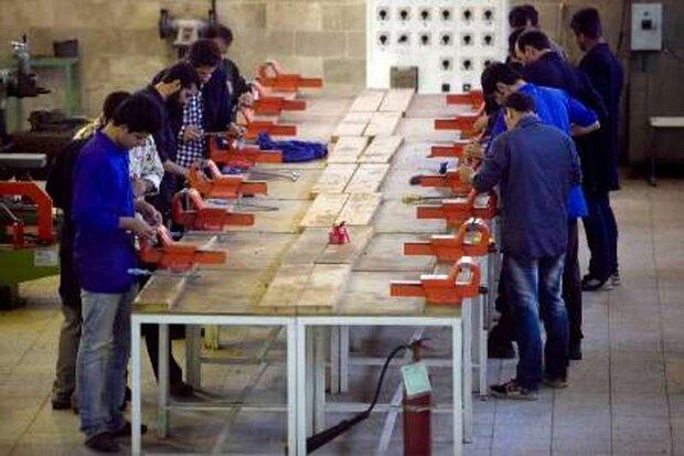 مهارتآموزی جوانان مشکل بیکاری در کشور را حل میکند