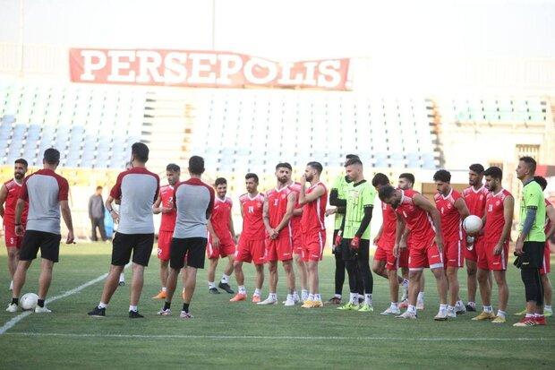 جلسه بازیکنان پرسپولیس پیش از بازی با تراکتور