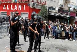برگزاری تظاهرات از سوی حامیان و مخالفان رئیس جمهوری تونس در پایتخت این کشور