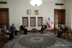 Zairf hails Iran-Cuba scientific cooperation on vaccine