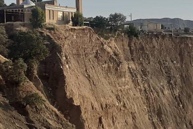 آغاز عملیات اجرایی دیواره ساحلی گلزار شهدای معمولان
