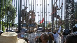 حوادث تونس ریشه در تحولات تاریخی، فرهنگی و اجتماعی دارد/ گفتگو همراه با ناآرامی در انتظار تونس