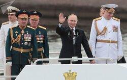استعراض بحري روسي بمشارکة سفينة إيرانية