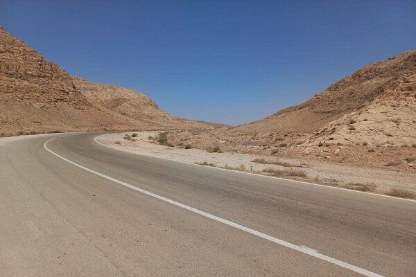 بن بست آرامستان جدید کرمان/ دامنه کوه ها و جنگل محل دفن اموات
