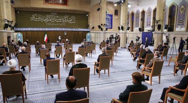 آخرین دیدار رئیسجمهور و کابینه دوازدهم با رهبر انقلاب