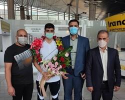 نماینده شنای ایران در المپیک ۲۰۲۰ توکیو به کشور بازگشت