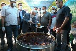طبخ و توزیع ۴۰۰ هزار پرس غذای گرم میان نیازمندان