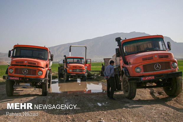 آبگیری تانکرهای آب از چاههای اجارهشده توسط آبفا