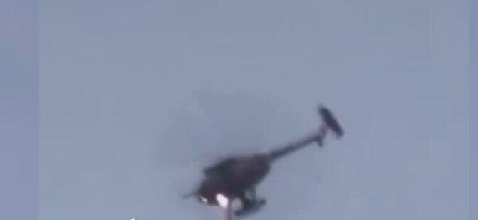 3843555 - فرود اضطراری بالگرد ارتش افغانستان نزدیک فرودگاه شهر لشکرگاه