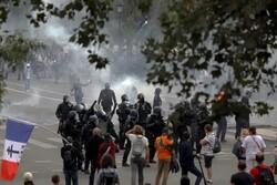 پلیس فرانسه با معترضان به محدودیت های کرونایی درگیر شد