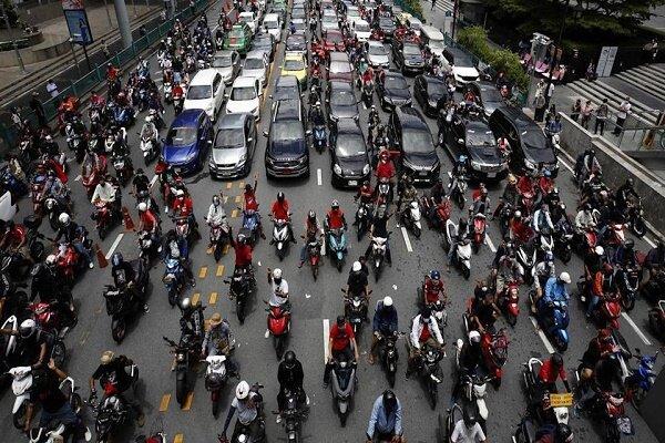 معترضین به شیوه مقابله دولت با کرونا به خیابان های بانکوک آمدند