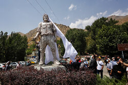 Statue of Iran's classic mountaineering father unveiled
