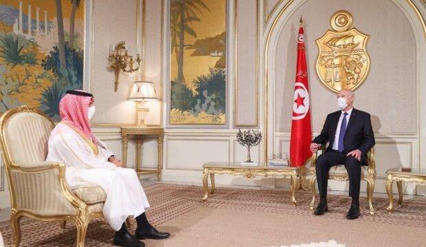 سيناتور أمريكي يطالب بالتحقيق في الدور السعودي بأحداث تونس