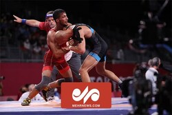 VIDEO: Iranian wrestler into final of Olympics
