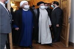 رئیس جمهور سابق دفتر کار را به حجت الاسلام رئیسی تحویل داد