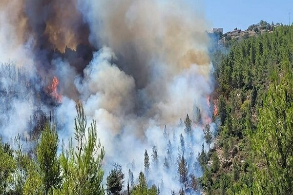 Widespread fire breaks out near occupied Quds (+VIDEO)