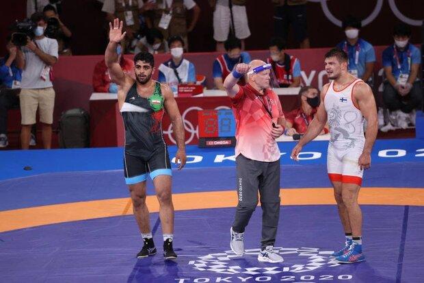 Saravi wins bronze in Greco-Roman wrestling