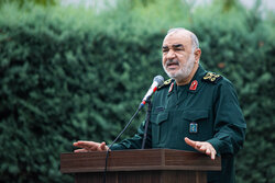 Gen. Salami orders IRGC bases to establish field pharmacies
