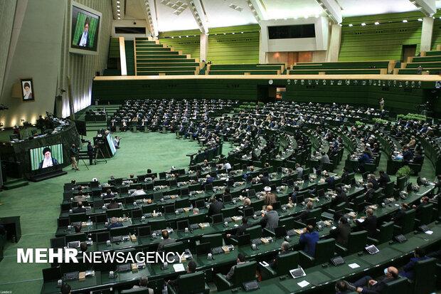 تاجیکستان، ازبکستان اور نیجر کے پارلیمانی سربراہان تہران پہنچ گئے