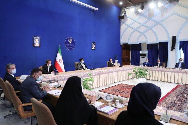 اولین جلسه هیئت دولت به ریاست رئیسی/بررسی وضعیت کالاهای اساسی