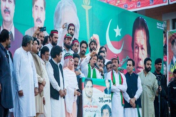 پیروزی نماینده حزب طرفدار نخست وزیر پاکستان در انتخابات کشمیر