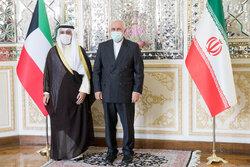 وزير الخارجية الكويتي يصل الى طهران