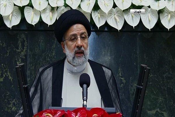 میں تمام ایرانیوں اور جمہور کا خادم ہوں / پابندیاں ختم کرنے کے سفارتی منصوبے کی حمایت کا اعلان