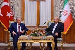 İran Meclis Başkanı Türk mevkidaşı ile görüştü